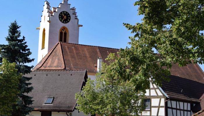 Blick auf die Sankt Nikolauskirche in der Altstadt