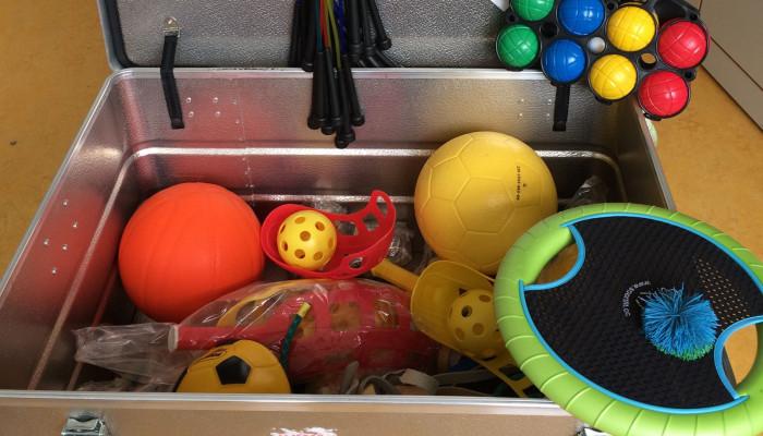 Spielekiste in der Grundschule Aach