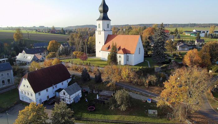 Colmitzer Ortsmitte mit Blick auf die Kirche, Bild: Gunter Fichte